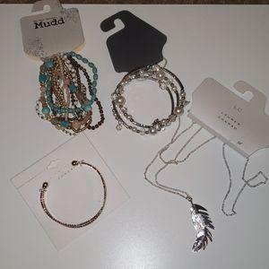 Random jewelry lot *NEW